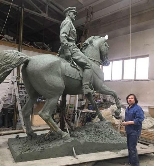 Памятник маршалу Рокоссовскому откроют в Улан-Удэ