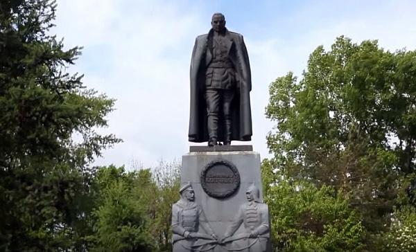 Суд отказал иркутскому адвокату виске кмэрии осносе монумента Колчаку