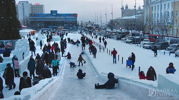 Ледовый городок в Улан-Удэ будут патрулировать круглосуточно