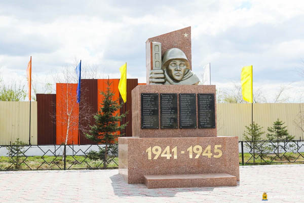 В Улан-Удэ привели в порядок сквер «Аллея памяти»