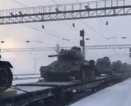 В Иркутске встретили танки, переданные Лаосом