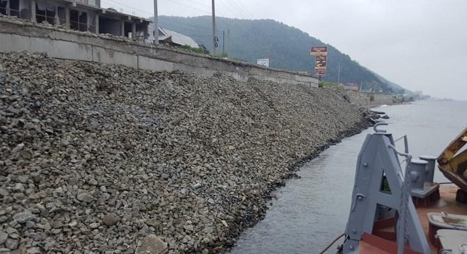 Подпорную стенку дороги в Листвянки ремонтируют за 20 миллионов