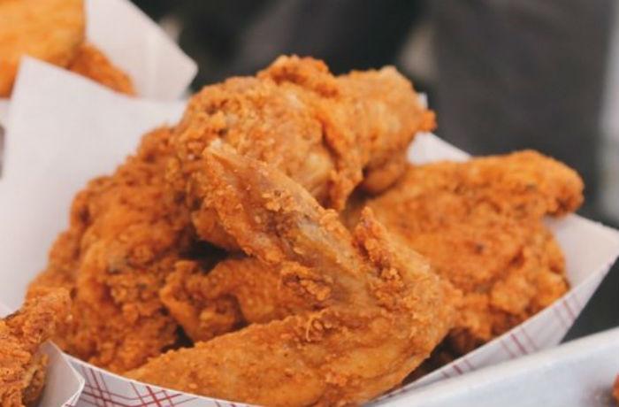 Улан-удэнцы заказывают крылышки KFC из Иркутска самолётом
