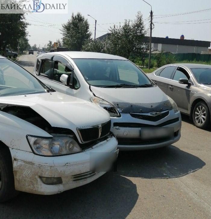 В Улан-Удэ в столкновении «Тойот» пострадала женщина