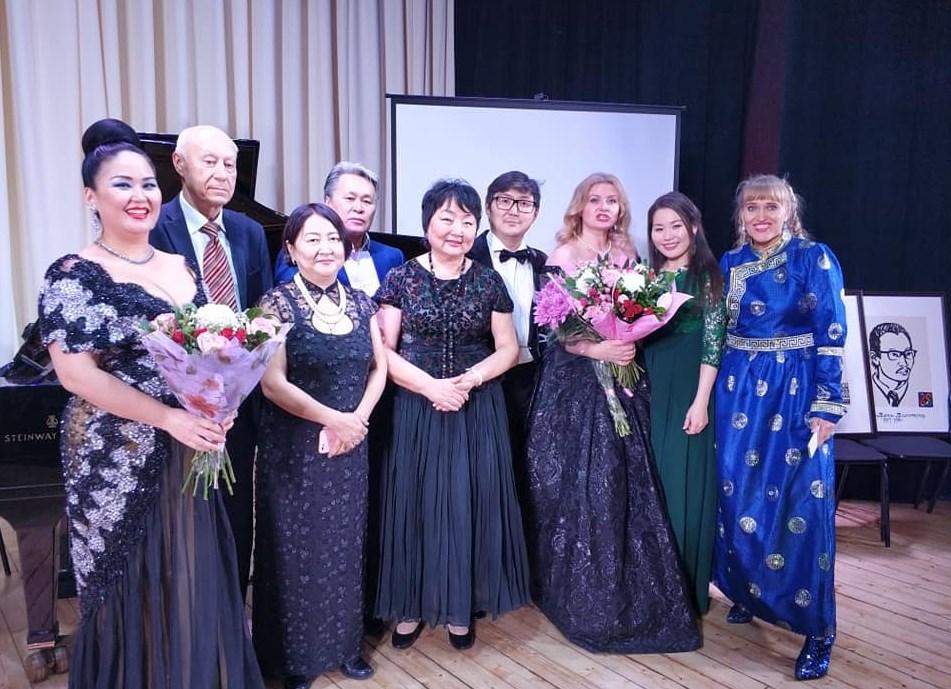 Бурятия получила в дар восемь портретов композиторов
