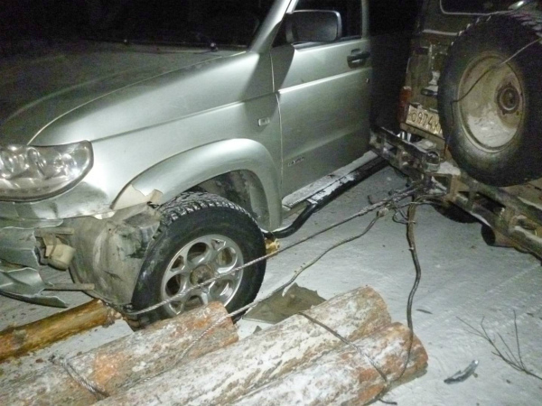 В Бурятии «чёрный лесоруб», уходя от погони, попал в ДТП