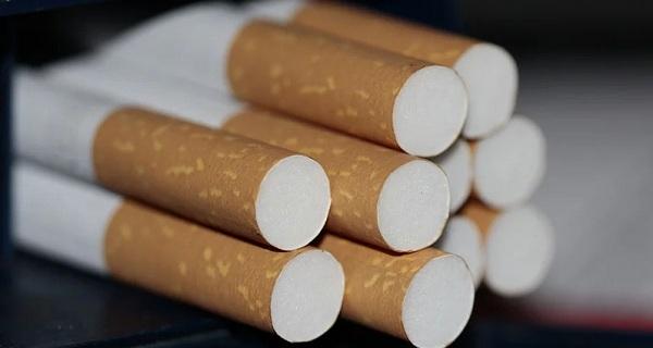 Читинцы украли коробки с сигаретами из грузовика