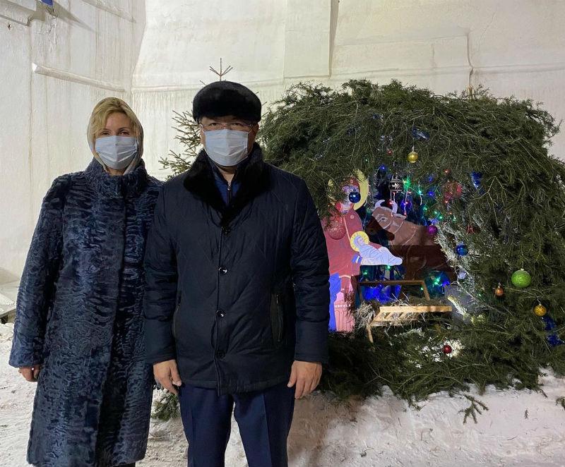 Глава Бурятии с супругой посетили храм в канун Рождества