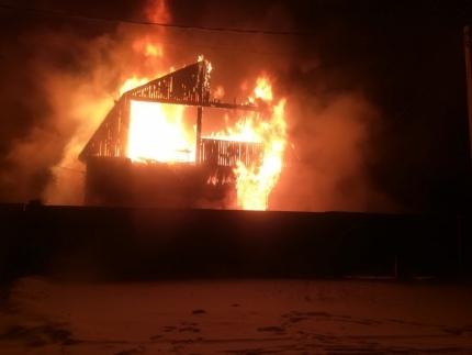 На пожаре в Иркутской области погибли двое детей