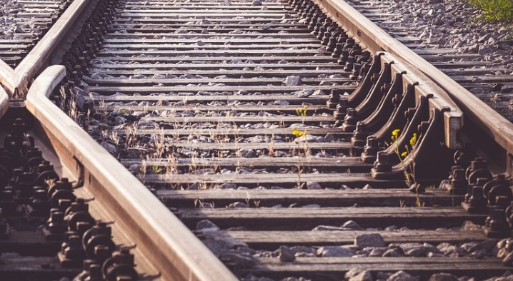 Иркутянин украл 13 железнодорожных шпал