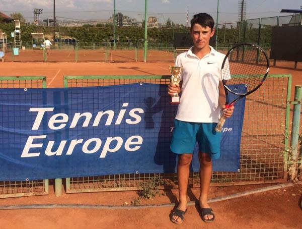 Иркутский теннисист занял первое место международного турнира