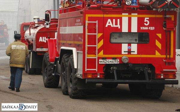 В Улан-Удэ поджигатели спалили дом