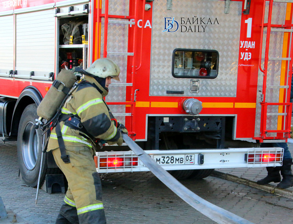 В Улан-Удэ неизвестные пытались сжечь торговый павильон