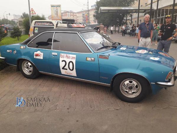 В Улан-Удэ приехали уникальные автомобили