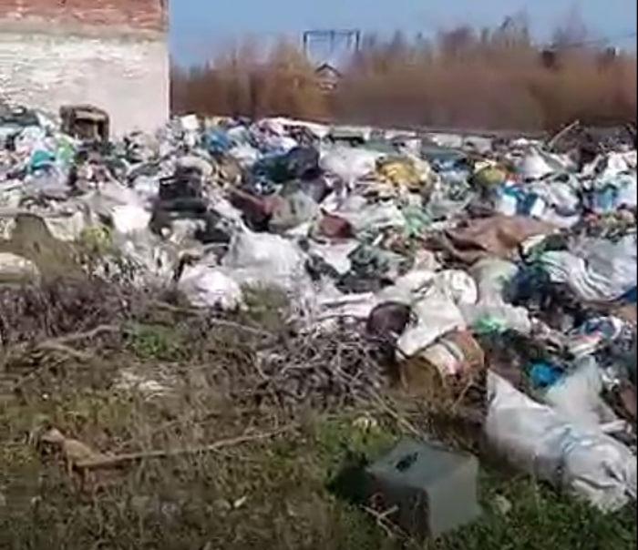 В Бурятии нашли огромную свалку недалеко от Байкала