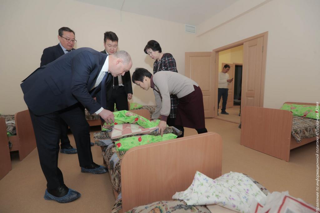 Мэр Улан-Удэ проверил новый детсад в 104 квартале