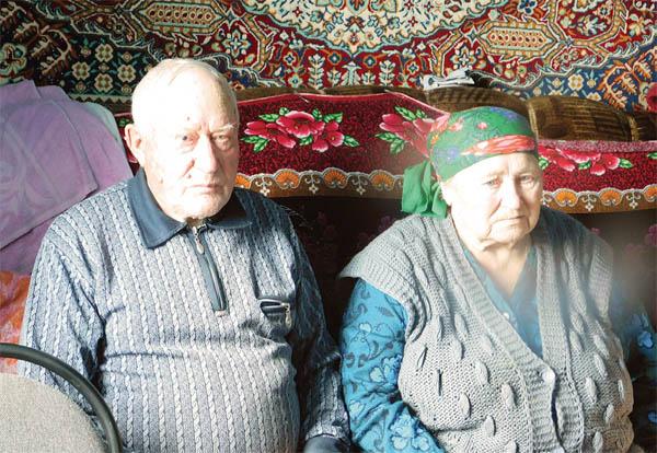 В Иркутской области семейную пару поздравили с 66-й годовщиной