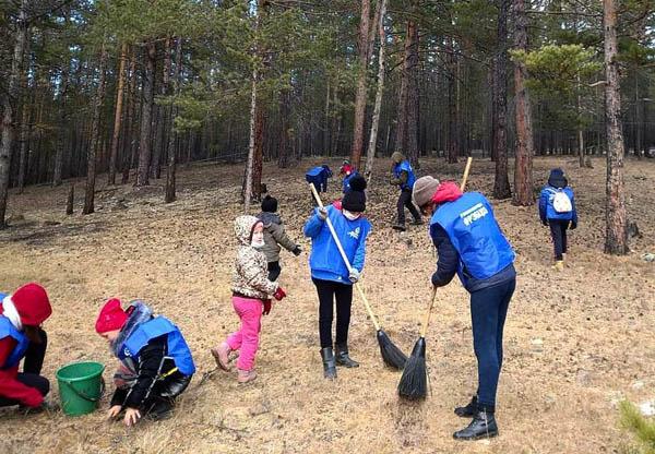 В Бурятии волонтёры убирают территории вокруг аршанов