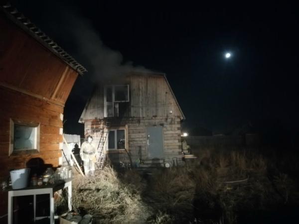 В пригороде Улан-Удэ горел дом