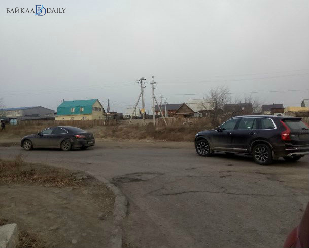 В Улан-Удэ столкнулись девушки на «Ауди» и «Мазде»