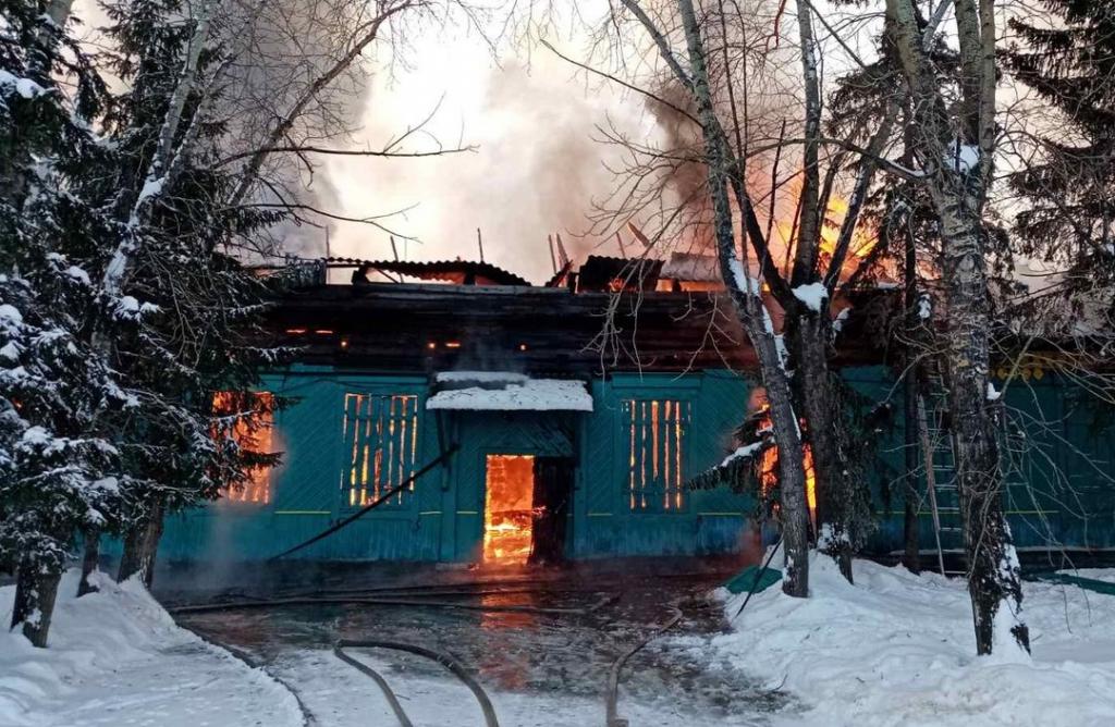 В Иркутской области сгорел дом культуры