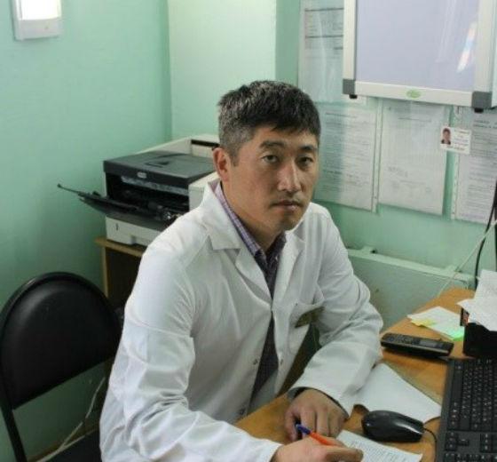 В Тункинской ЦРБ выбрали лучшего врача 2018 года