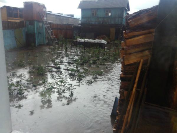 В Улан-Удэ дом пенсионерки затопило по вине дорожных строителей