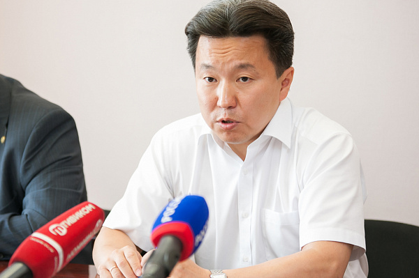 Руководство Бурятии покидают три министра итри зампреда правительства