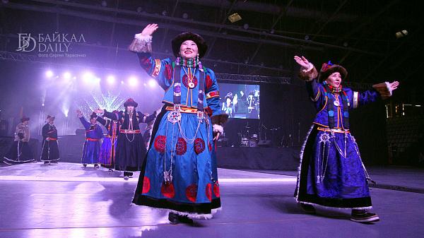Ламы советуют приветствовать друзей «Амар Мэндэ»