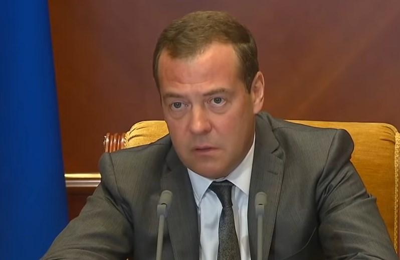 Медведев отчитал Бурятию за «недопустимо медленную» реконструкцию очистных