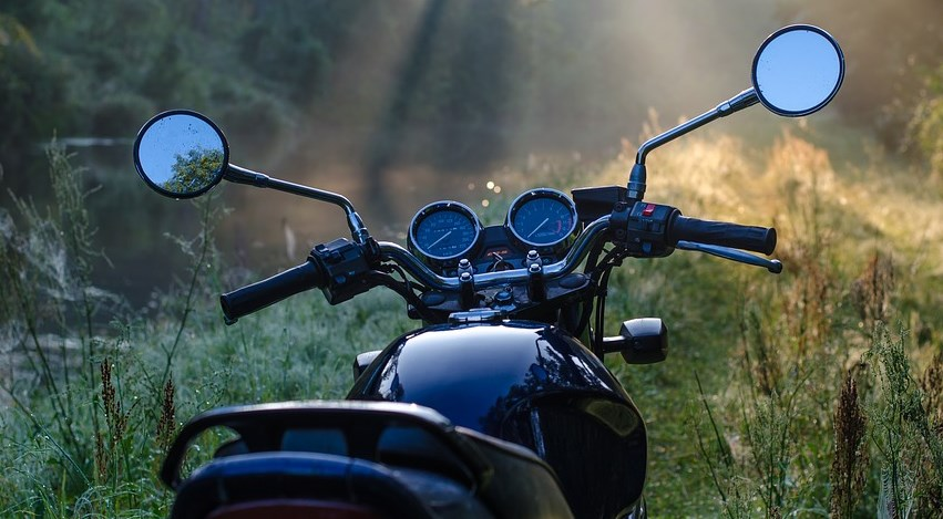 Забайкалец угнал мотоцикл у купающейся женщины