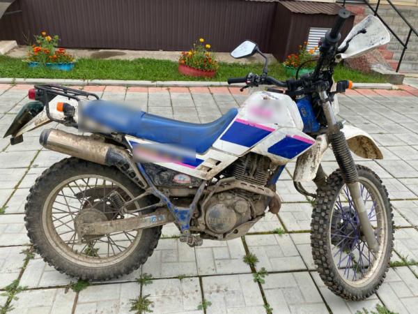 В Бурятии украденный мотоцикл спрятали в заброшенном здании