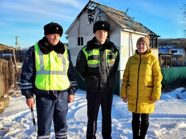 В Иркутске семейная пара спаслась из горящего дома