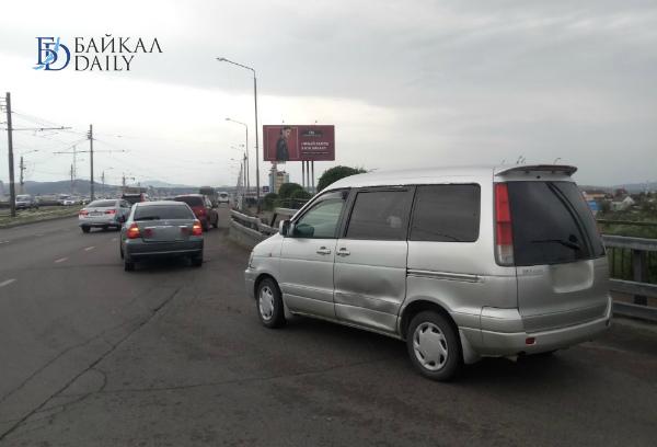 В Улан-Удэ на Удинском мосту столкнулись «Тойоты»