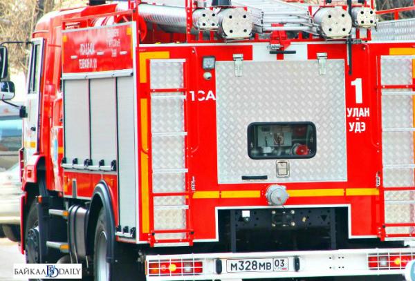 В Бурятии горели гаражный бокс и автомобиль