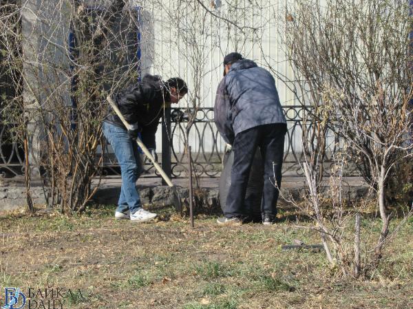 Улан-удэнские депутаты взялись за мётлы и грабли