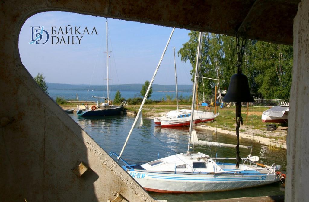 На Байкале оштрафовали капитана, который посадил людей вдвое больше нормы