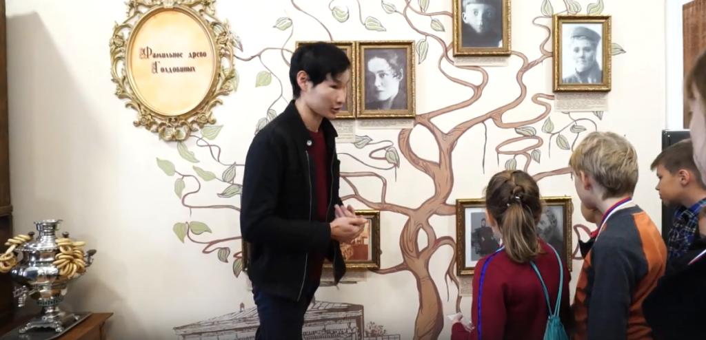 Школьники из Петербурга посетили музей Улан-Удэ (видео)