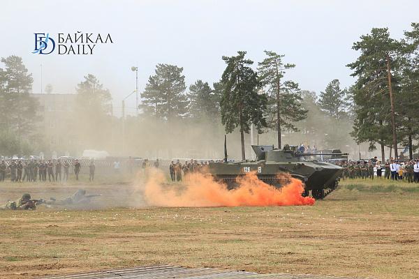 В Восточном военном округе проходят обучение 4 тысячи младших специалистов