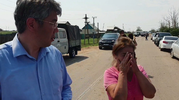 Жительница Эрхирика заплакала, когда рассказывала о затоплении
