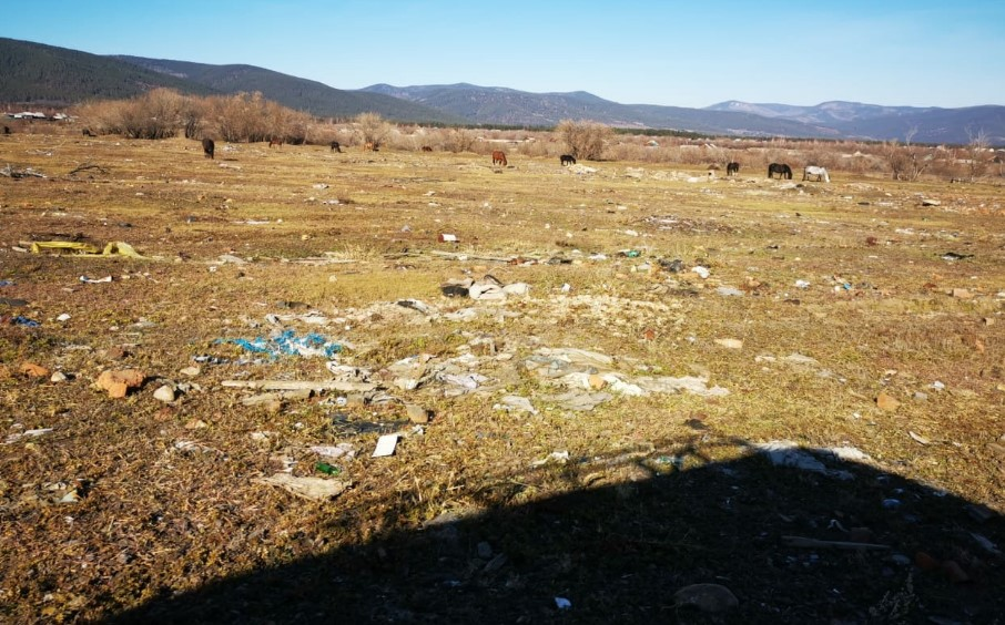 В Бурятии завалили мусором живописную местность