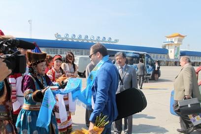 В Улан-Удэ прилетел всемирно известный скрипач Коган
