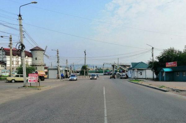 В Улан-Удэ мотоциклист без прав врезался в «Ниссан»
