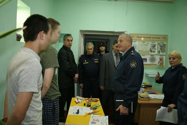 В Улан-Удэ проверили условия содержания осуждённых подростков