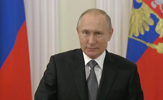 Путин прилетел в Братск
