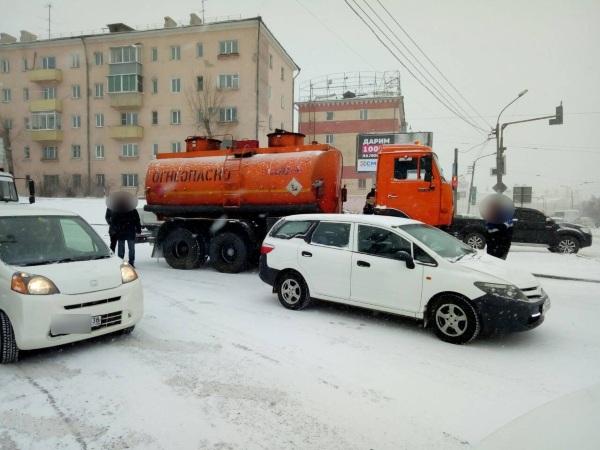 Улан-удэнские водители «празднуют» «день жестянщика»