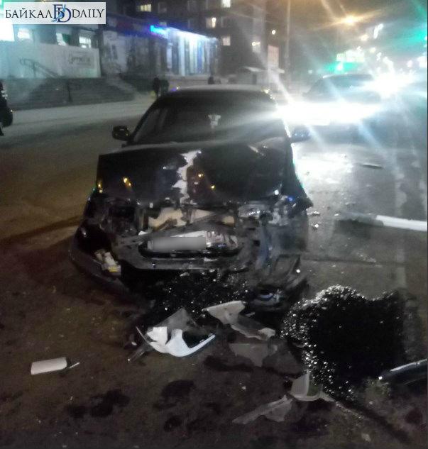 В Улан-Удэ произошло тройное ДТП. Фото