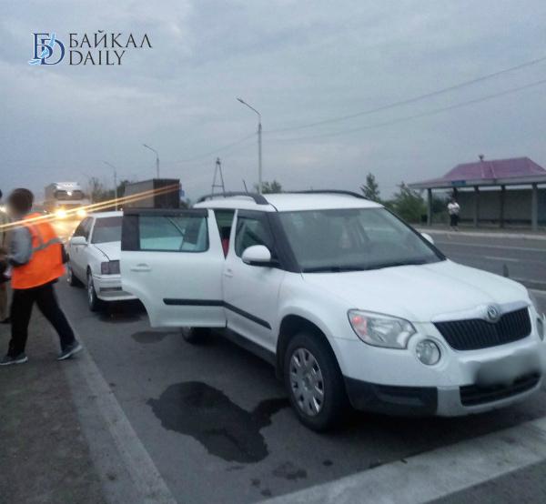 В пригороде Улан-Удэ столкнулись «Тойота» и «Шкода»