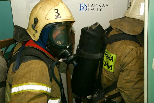В Улан-Удэ на пожаре девушка получила ожоги