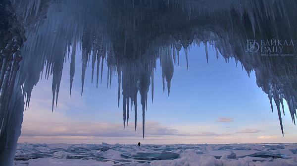 Стартовал фотоконкурс «Ледяная сказка Байкала»